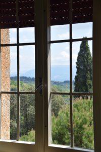 Der Ausblick vom unserem Hörsaal könnte nicht schöner sein: Assisi
